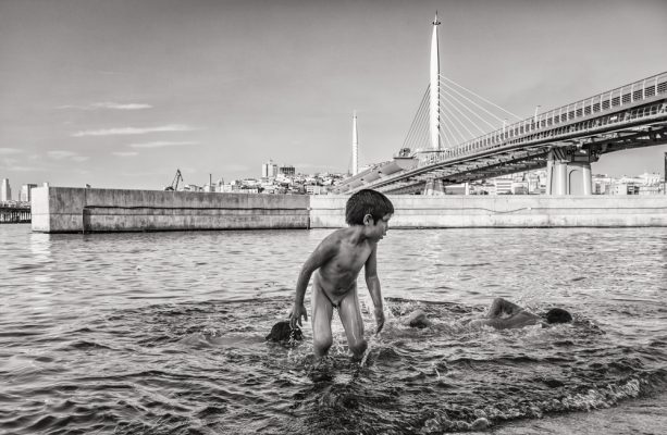 Syrian childs playing at Goldenhorn | IPA Honorable Mention | Mustafa Turgut